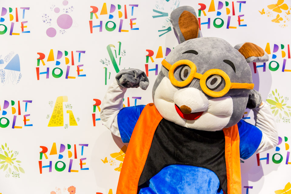 rabbit-hole-opening-web-020